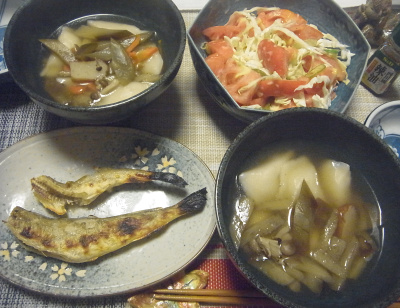 R0019399_0927夜-こまい焼き、水餃子となすのスープ煮、トマトコールスロー_400.jpg