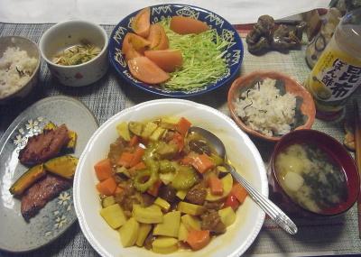 R0019615_1019夜-ゴーヤ入酢豚風、ソーセージとかぼちゃソテー、トマトとキャベツサラダ、麩の味噌汁、雑穀ごはん_400.jpg