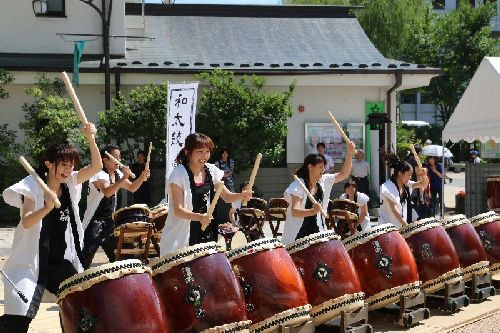 松本市和太鼓鳴桜(なを)