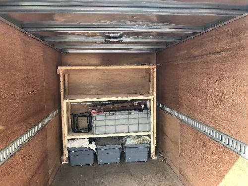 運搬車の棚