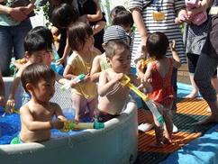 H24おひさまランド水遊び4.jpg