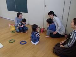 自由遊びうさぎ2.JPG