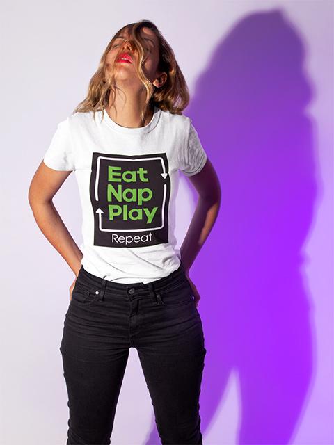 Eat Nap Play. Tシャツ 着用イメージ
