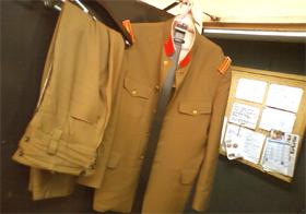 軍服の衣裳
