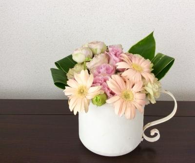 花束 ピンク系 ブーケ 送別会 ガーベラ バラ 優しい ナチュラル アレンジメント 白 ポット