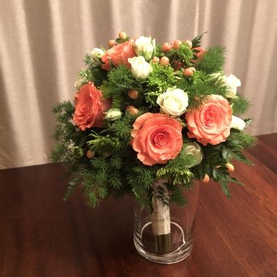 ブライダルブーケ 花束 エレガント 白 オレンジ 薔薇 結婚式 wedding bouquet elegant white orange roses party garden fondly New Jersey USA
