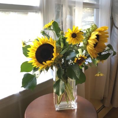 ひまわり アレンジメント 花瓶 sunflowers arrangement Denis flowers and gifts New Jersey Garden Fondly