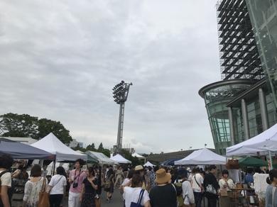 真夏の東京蚤の市