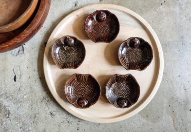 瀬戸鉄釉小皿
