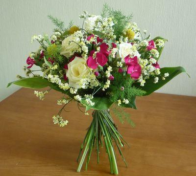 装飾的花嫁の花束