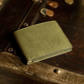 イタリア 二つ折り革財布 カード入れ