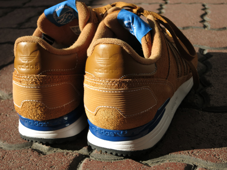 adidas アディダス ZX700 wheat running white (1).jpg