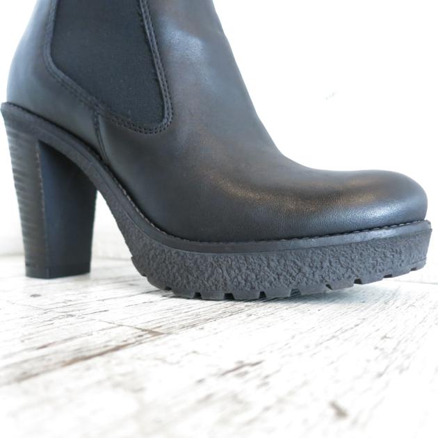ROSE BUD Karen Lipps Side  Gore PLTFM Short Boots (8).JPG