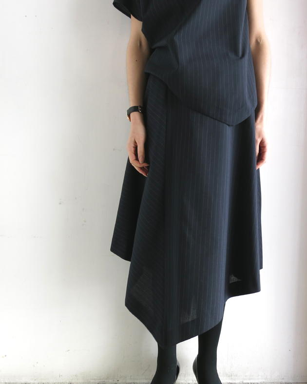 GVGV PIN STRIPE ASYMMETRIC SKIRT.JPG