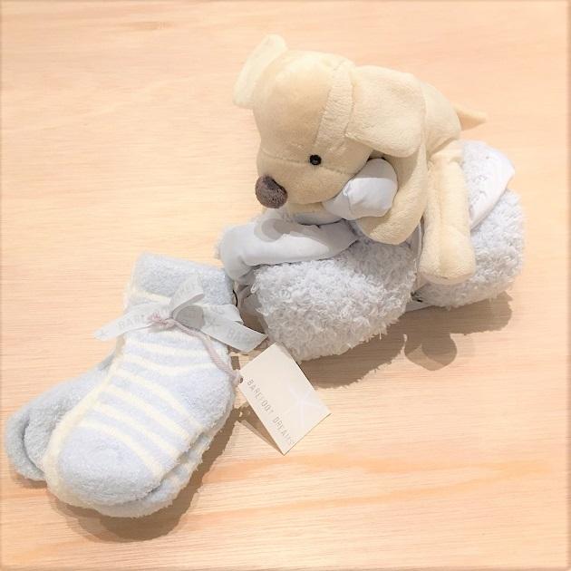 BAREFOOT DREAMS Infant socks 3pack4.JPG