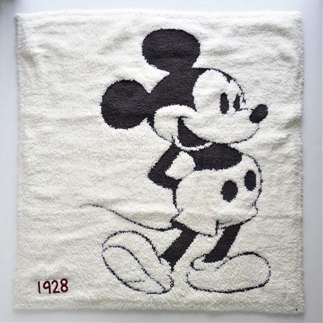 DISNEY COLLECTION by BAREFOOT DREAMS Baby Blanket(2).jpg