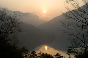 十津川村川津にて「日の出」撮影