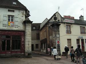 Saulieu 門