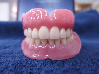 上下の総義歯