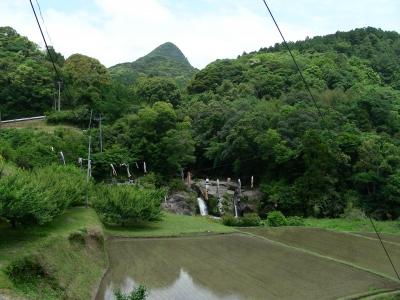 長谷集落のシンボル「立神山」