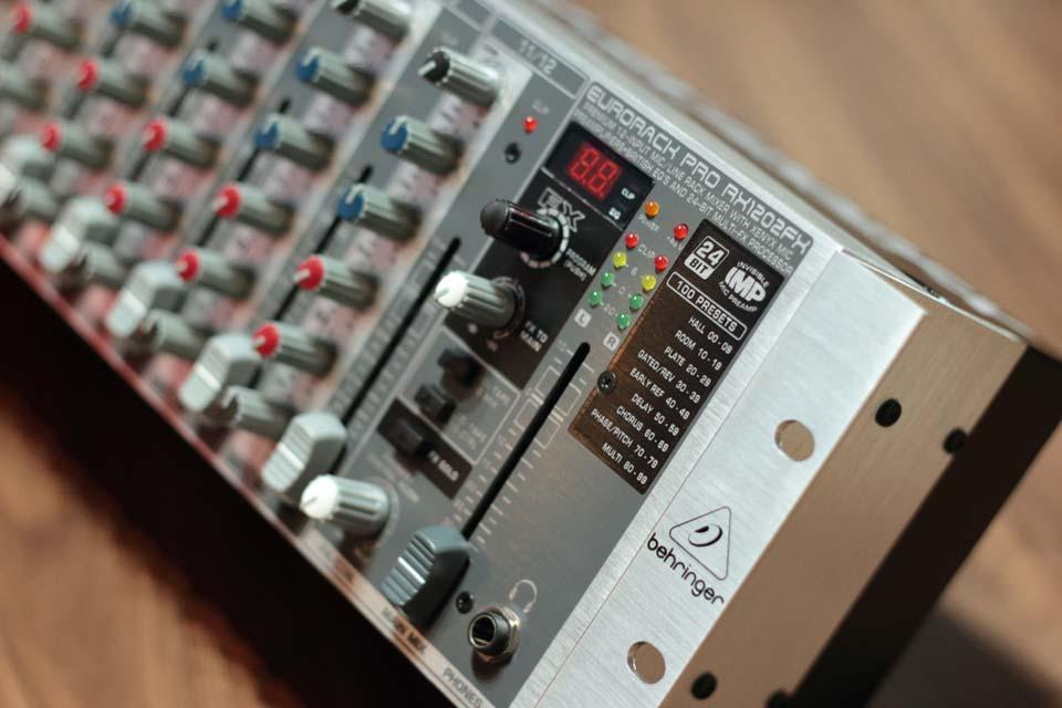 RX1202FX EURORACK PRO
