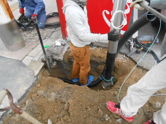 地下埋設電線引き込み・一時ポール設置 (4).JPG