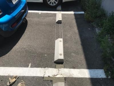車止め設置 (2).jpg