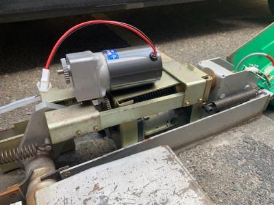 ロック板モーター交換1.jpg