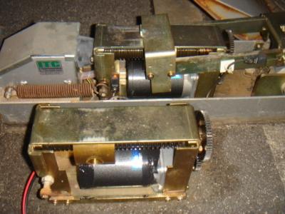 ロック板モーター交換2.JPG