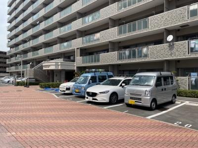 ペルル府中浜田来客用駐車場.jpg
