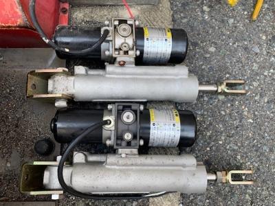 ロック板油圧シリンダー交換.jpg