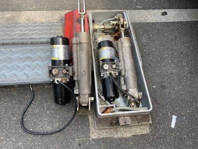ロック板油圧シリンダー交換2.jpg