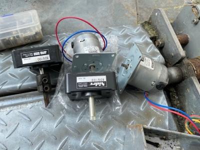ロック板モーター1.jpg
