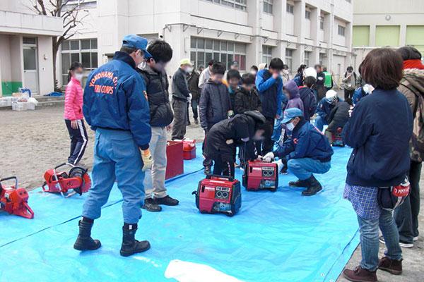 藤の木小学校で「地域防災拠点 防火訓練」