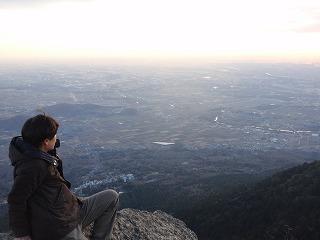 山の上から眺めていると