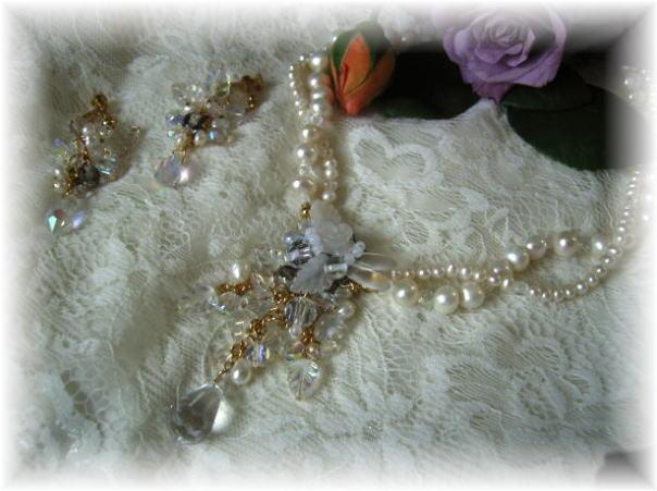 白い水晶宮のイヤリング