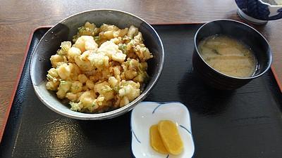 沼津港で昼食−2