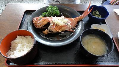 沼津港で昼食−3