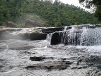 西表カンビレーの滝1