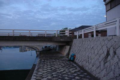 野宿した橋の下