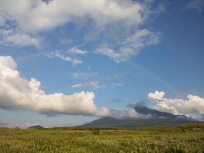 利尻山にかかる虹