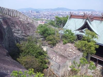 生石神社石の宝殿