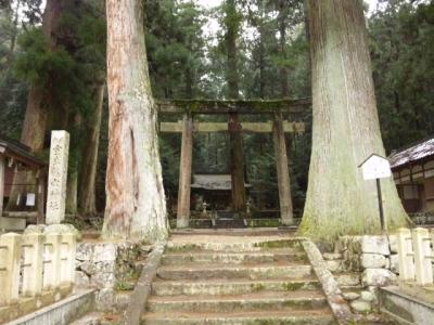 室生龍穴神社入口