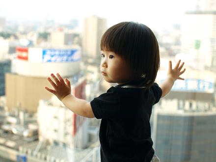 眼下に横浜の町並みをのぞむ。。