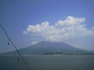 フェリーから見た桜島