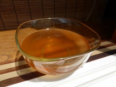 1日目:梅酢も出窓にセット