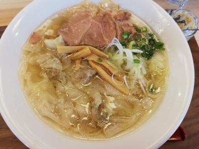 メシケン。のワンタン麺(白しょうゆ)770円