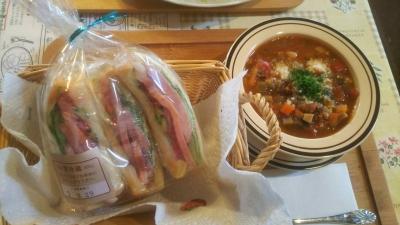 ステーキハムの野菜サンド680円+スープ300円
