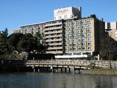 和田倉橋とパレスホテル