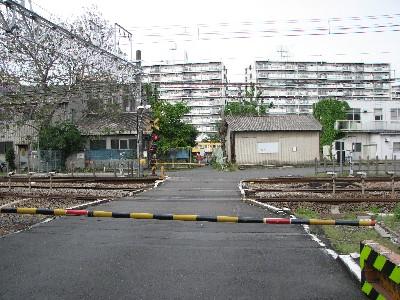 拝島踏切3